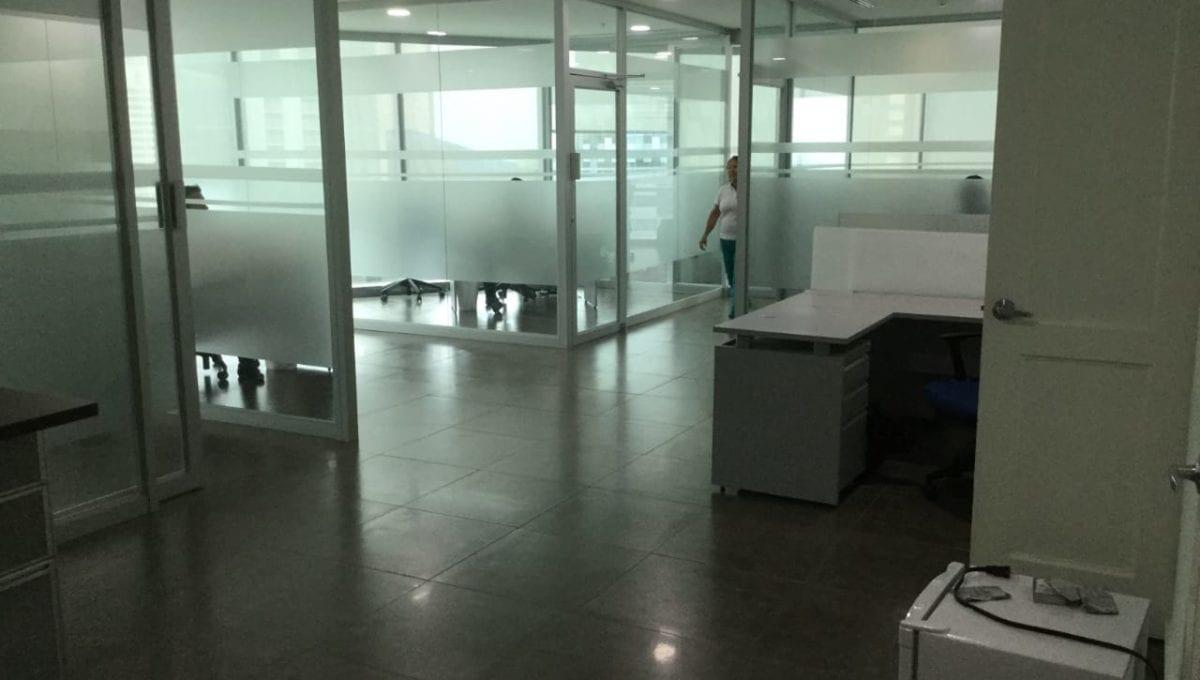 Se alquila oficina en Costa del Este